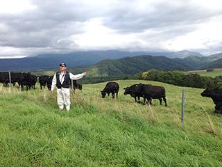 北海道旅行 05 アンガス牛の話を聞く.jpg